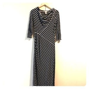Black and white stretchy long dress